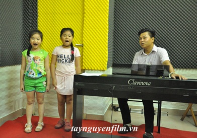 Lớp học hát cho thiếu nhi