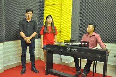 Tuyển giáo viên dạy thanh nhạc