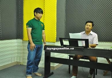 Lớp học hát karaoke