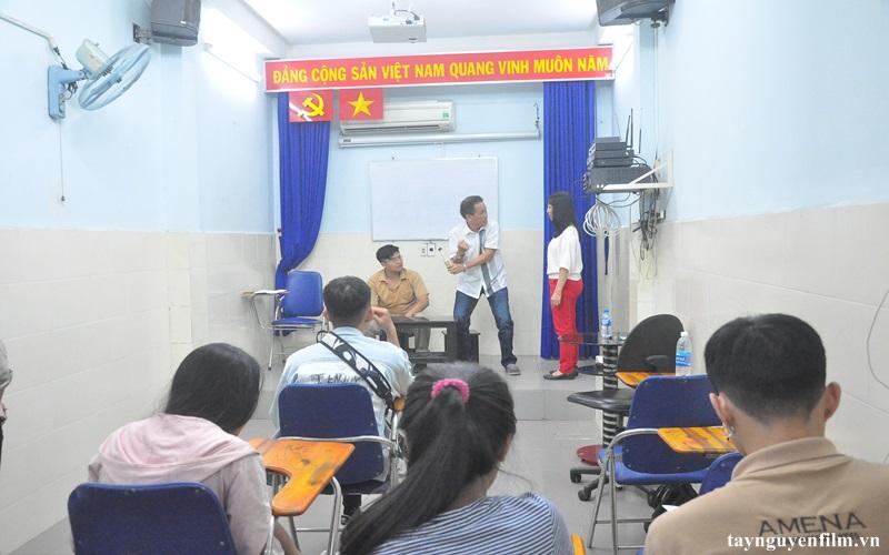 khai giảng khóa học diễn xuất tháng 6. 2020