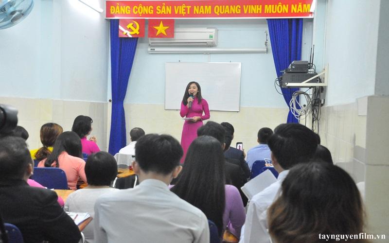khai giảng khóa học thuyết trình tháng 8. 2020