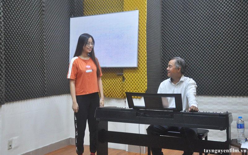 chiêu sinh khóa học hát tháng 3. 2021